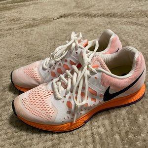 Nike running shoes. 7.5